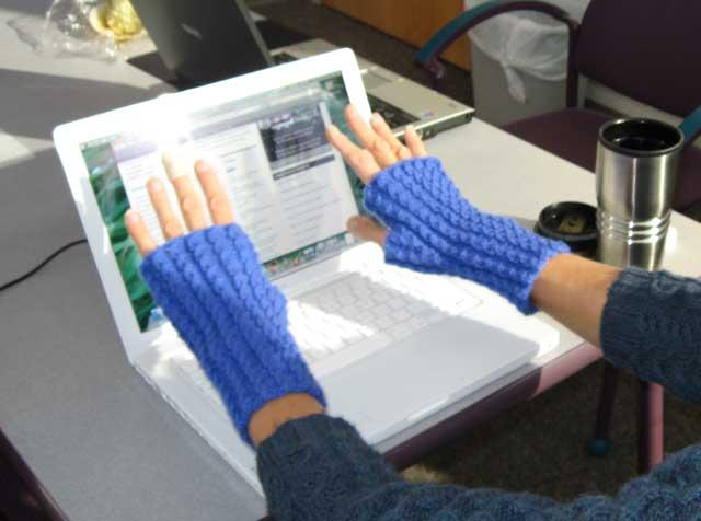 Mac-gloves_1974
