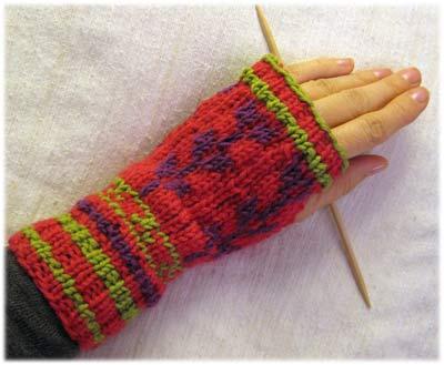LynnH-glove