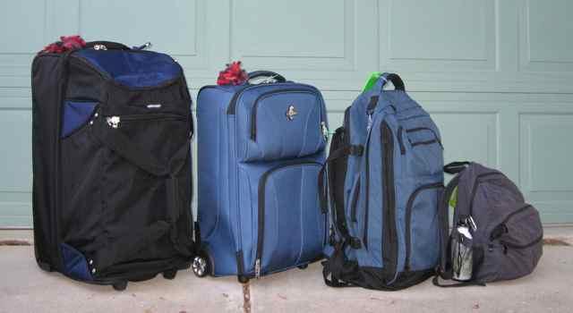1-suitcases_6678