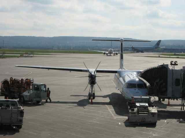 01-plane_8029