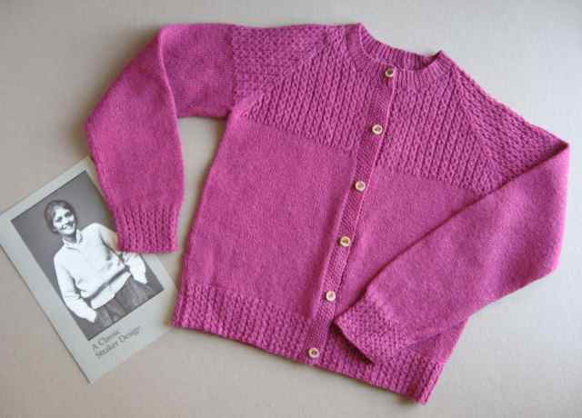 Penny Straker's knitting patterns - The Independent Stitch