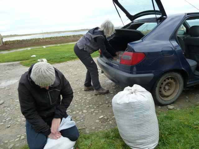 11b-wool-into-bags-Liz-P1170927