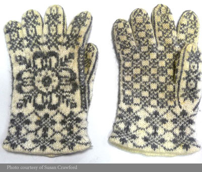 Gloves-Norwegian-motif-image-web