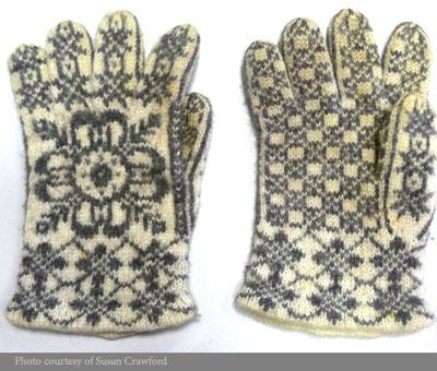 Gloves-Norwegian-motif-image-web